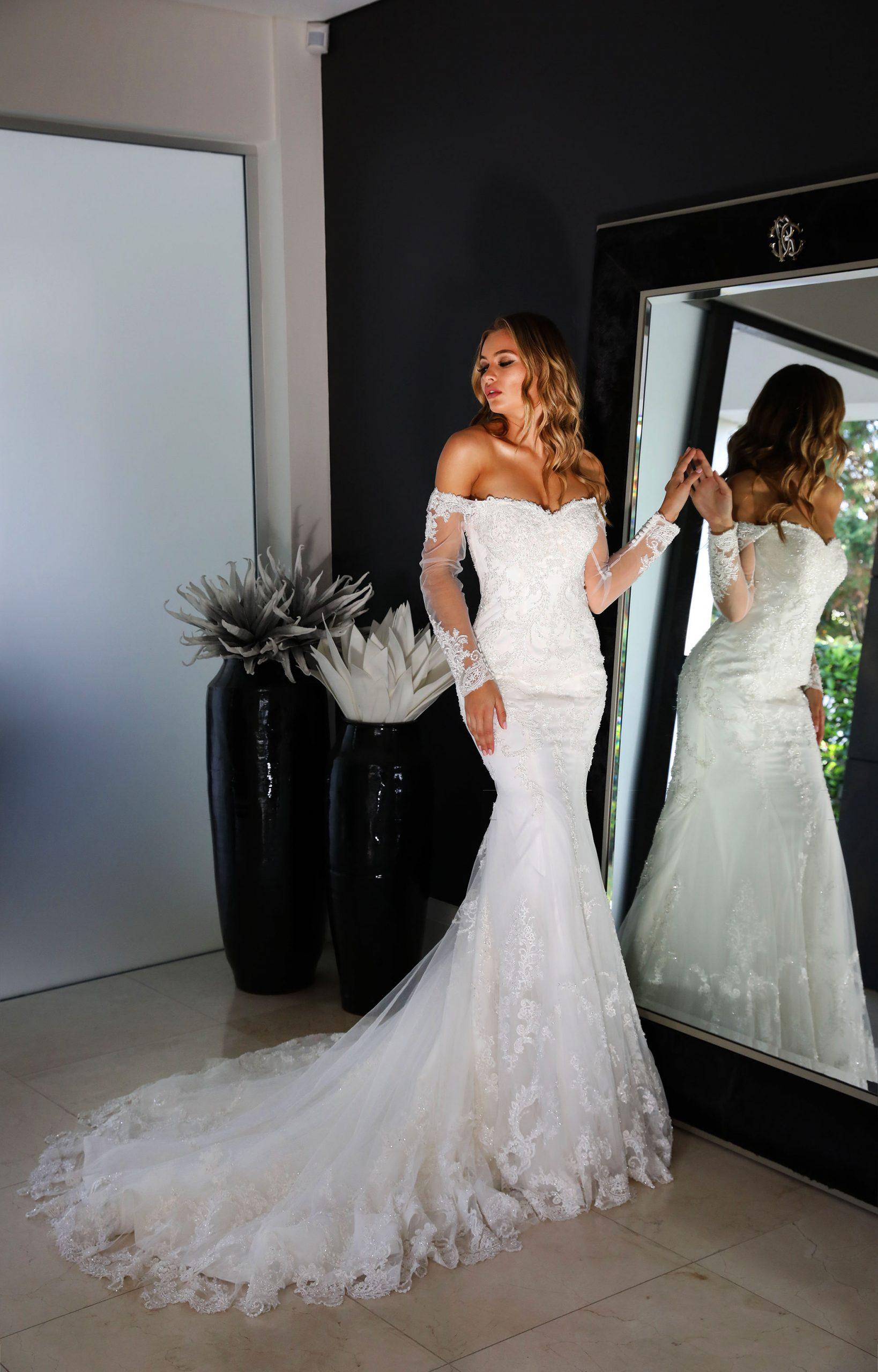 beautiful mermaid style wedding dress in Perth