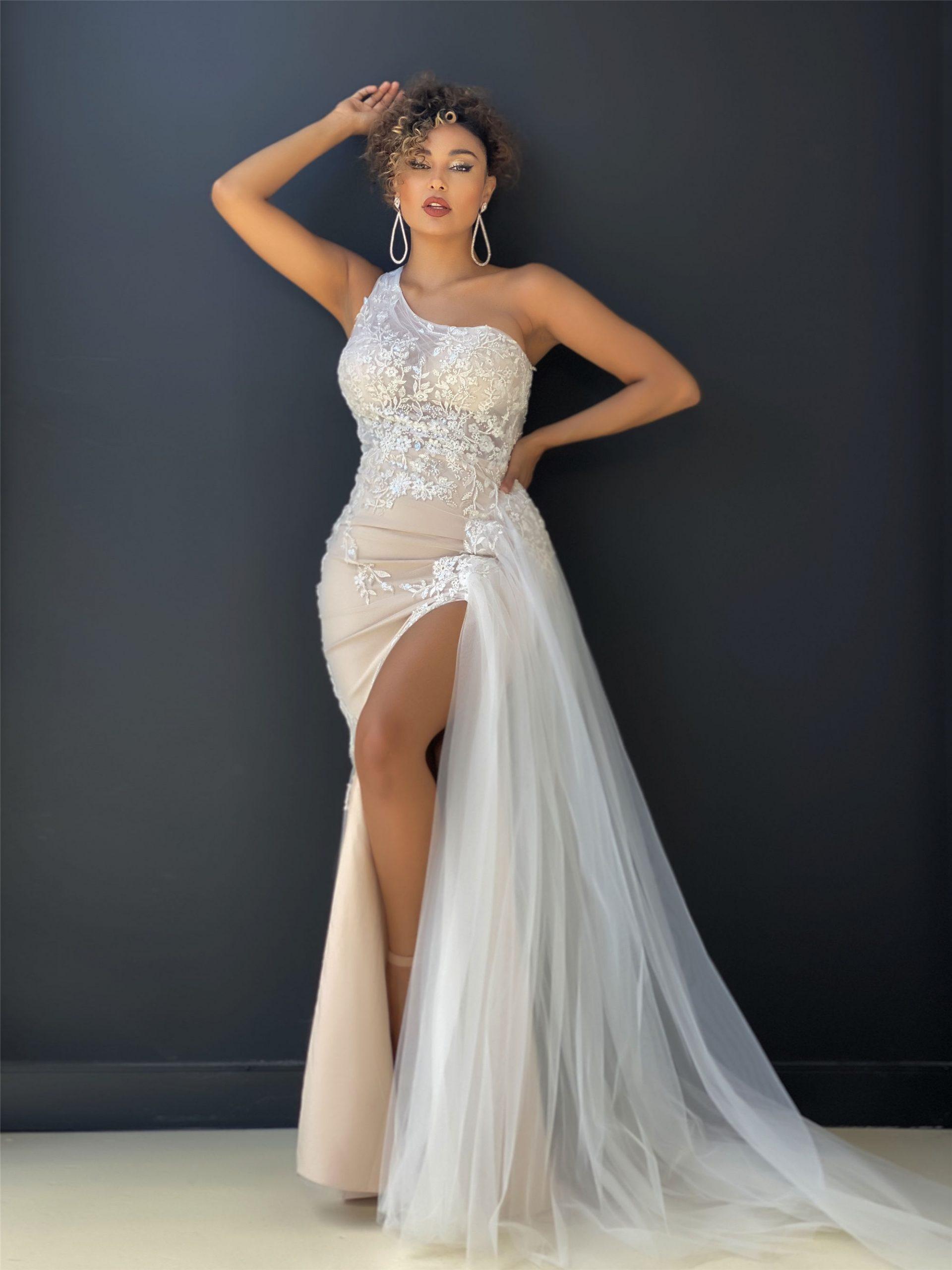 beautiful wedding dress in Perth